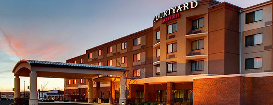 Courtyard By Marriott Fayetteville Ar Hotel Front
